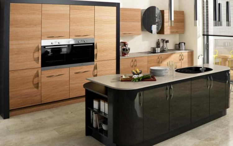 Gloss Kitchen Range  Ultra High Gloss Black Tavola Oak